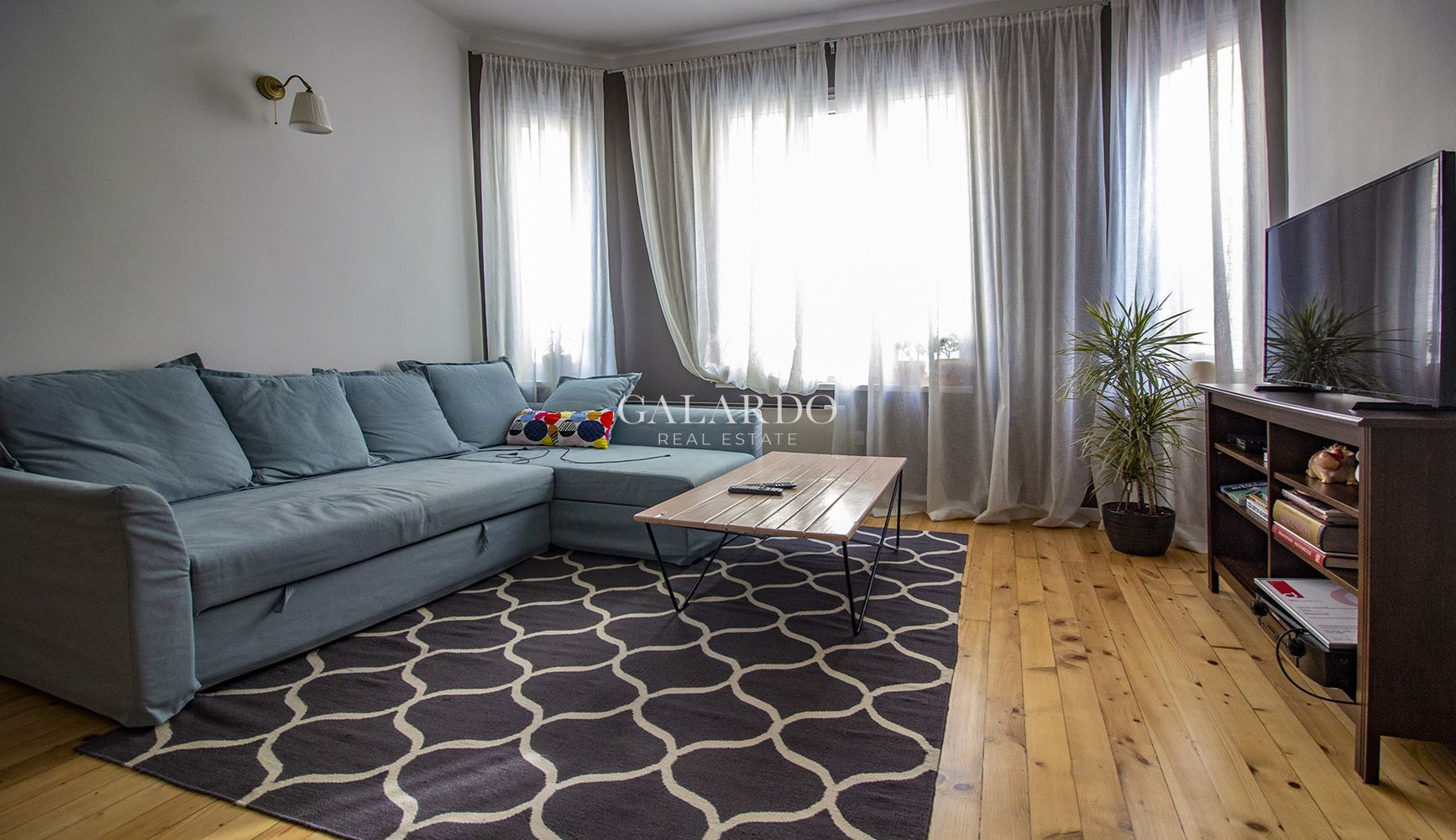 Two bedroom, luxury apartment in the center