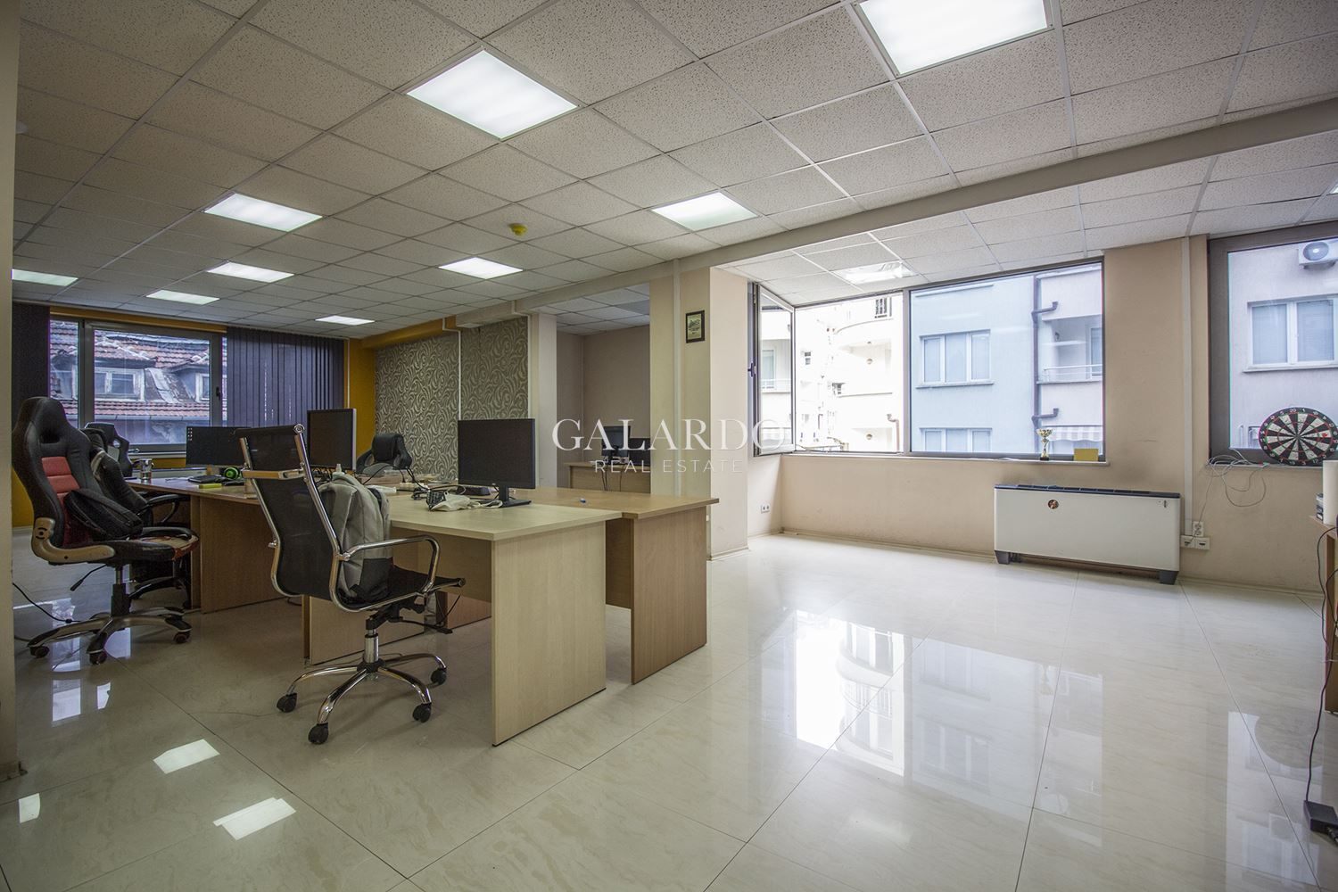 Open space office space for rent in class A building near the National Palace of Culture