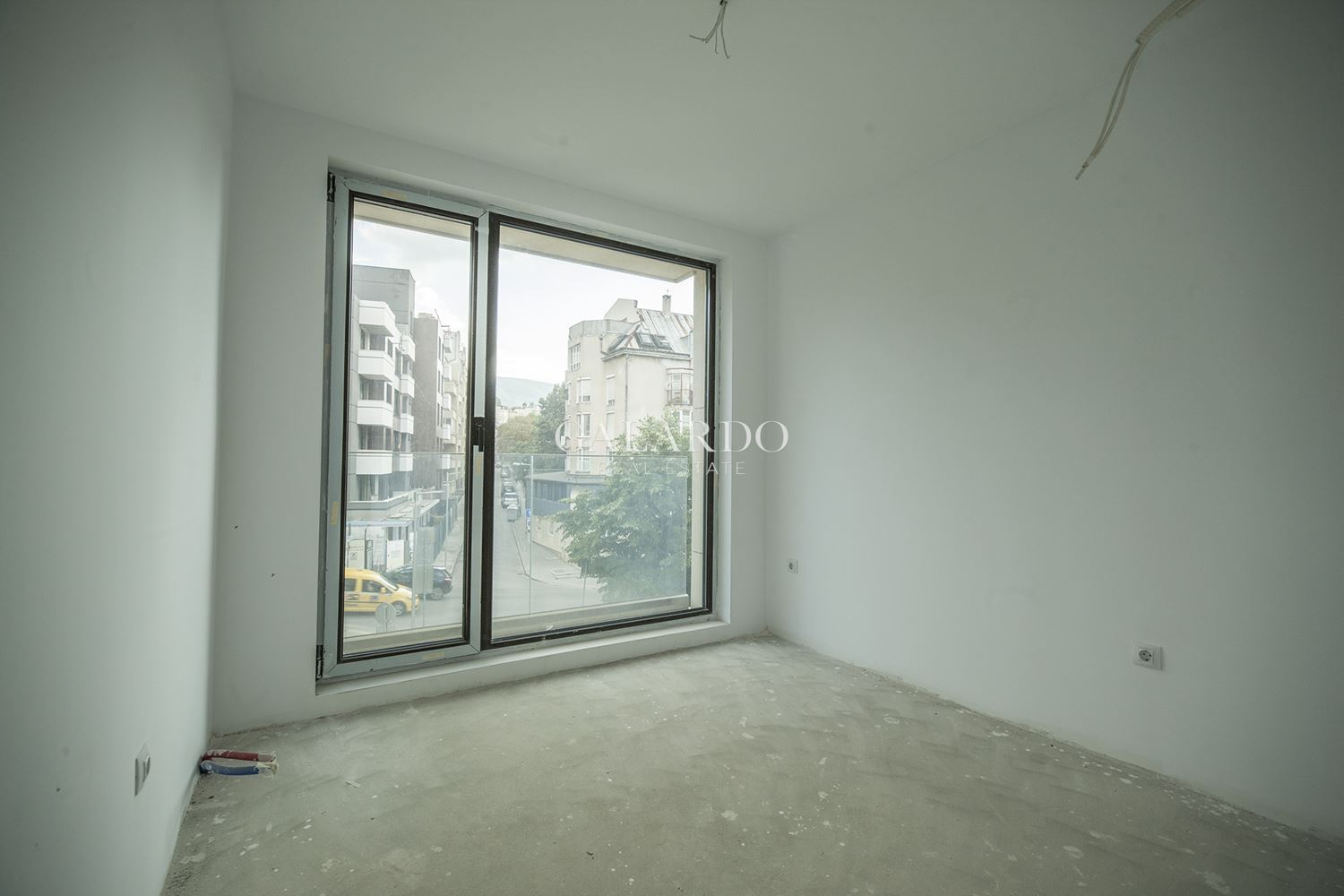 Apartment in a new building near South Park