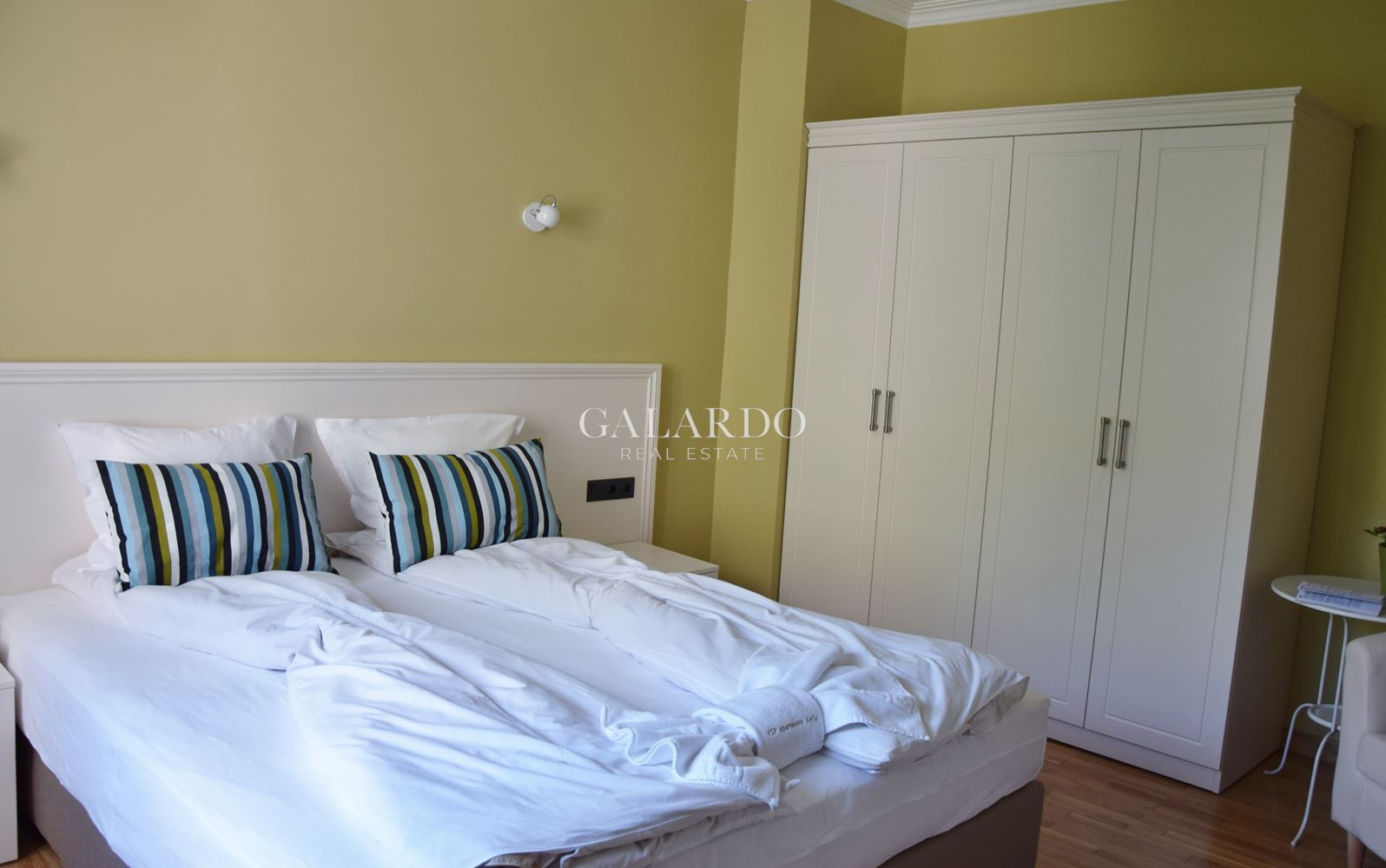 Designer bright two bedroom apartment near National Palace of Culture