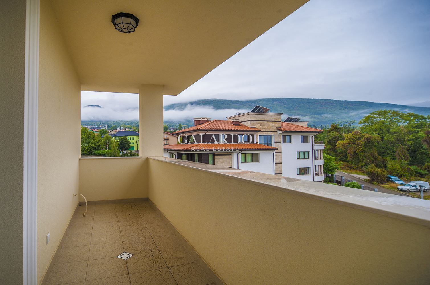 Sunny apartment with three bedrooms and panoramic views in Dragalevtsi