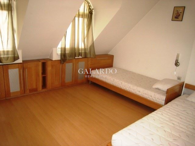 Spacious and bright maisonette in Lozenets