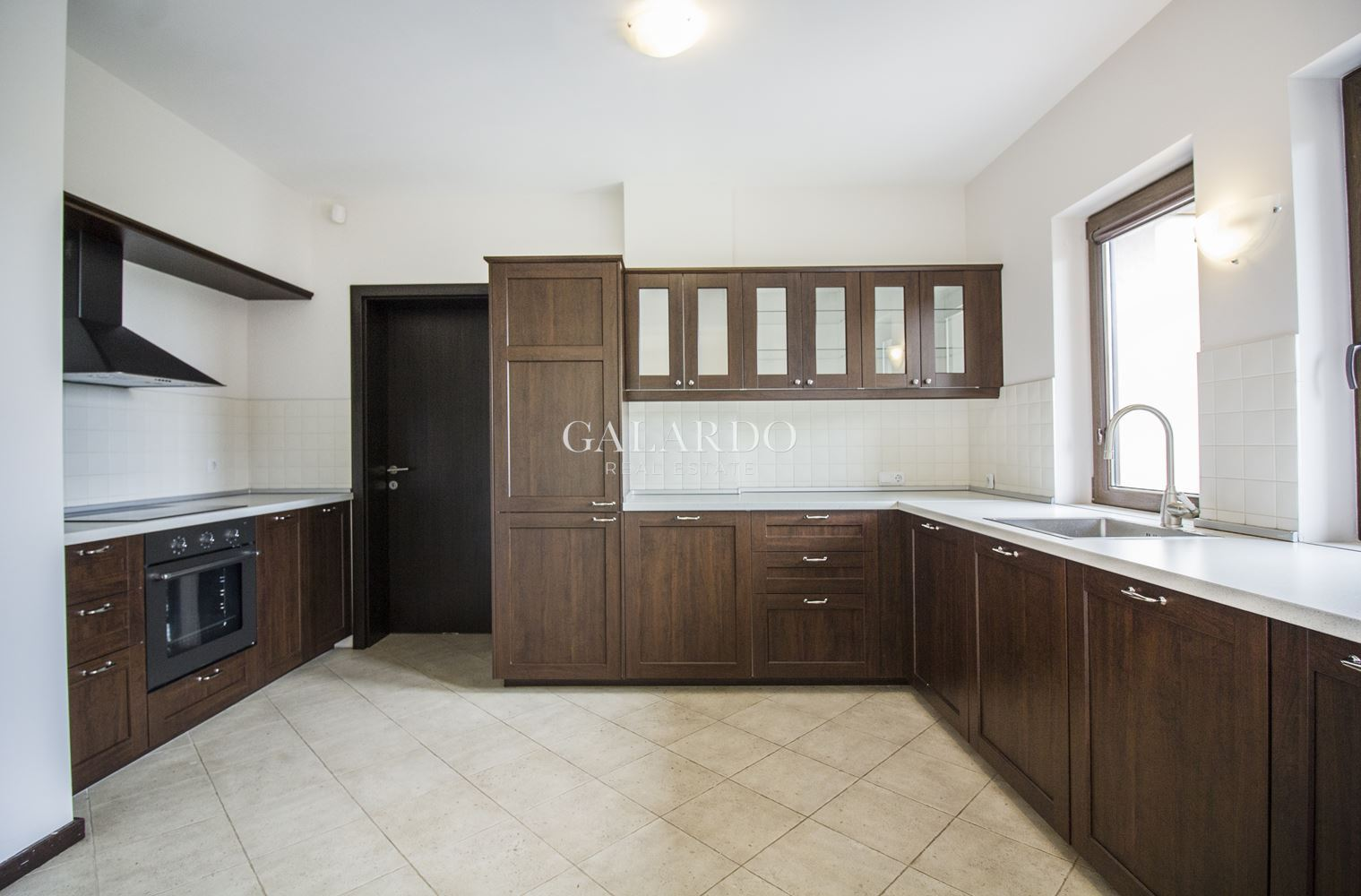 House for sale in a gated complex in Bistritsa