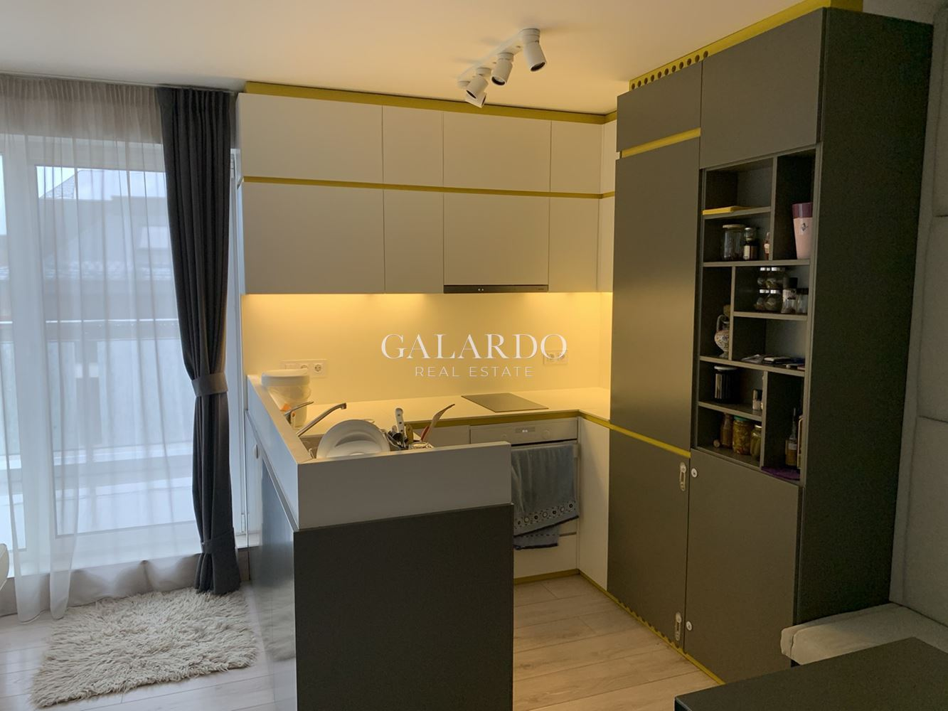 Cozy apartment with parking space in Dragalevtsi district