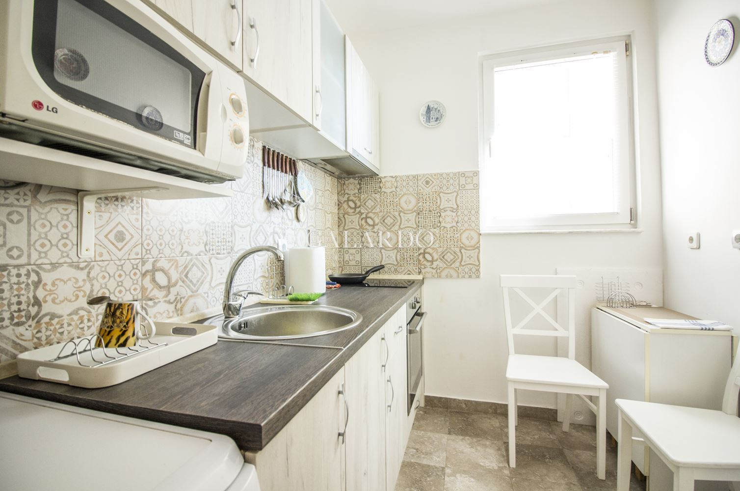 Cozy two-bedroom apartment near Patriarch Evtimiy Blvd. and metro station