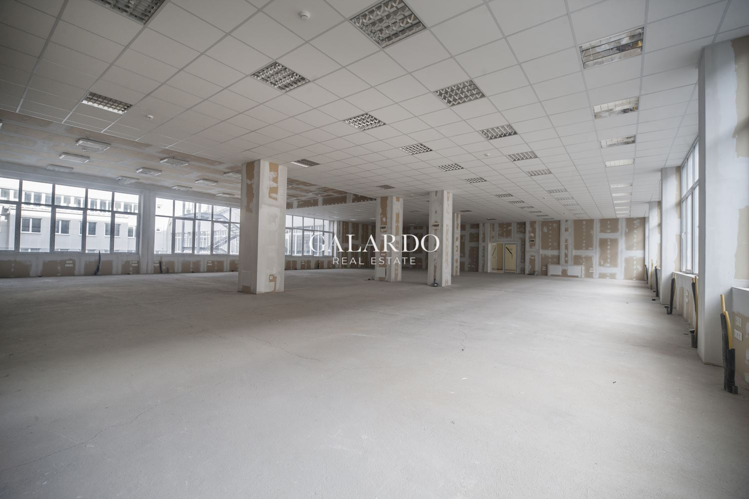Showroom/ Shop/Office in a new office complex of Tsarigradsko Shose Blvd.