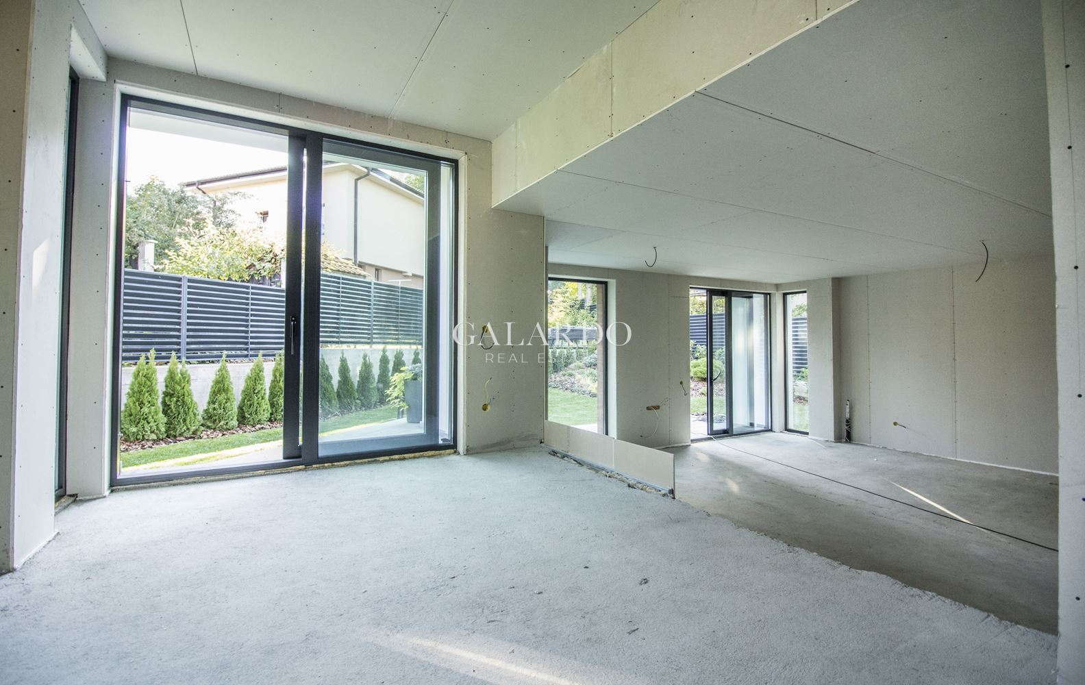 Modern new house with a private yard in Dragalevtsi district