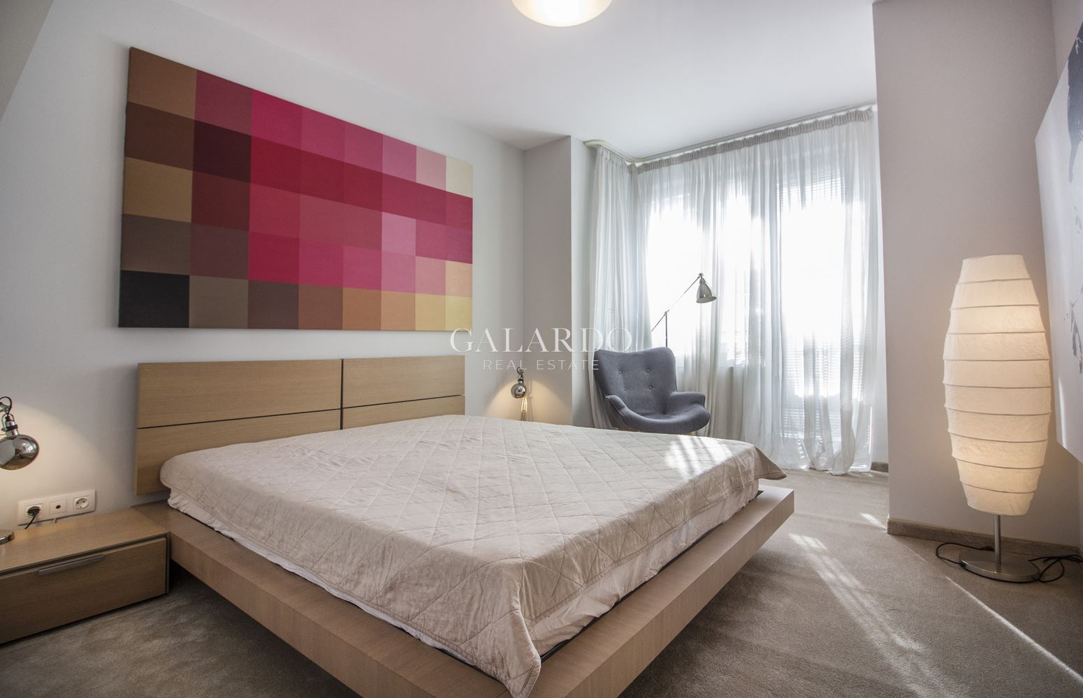 Spacious and sunny apartment with a view of Vitosha Mountain