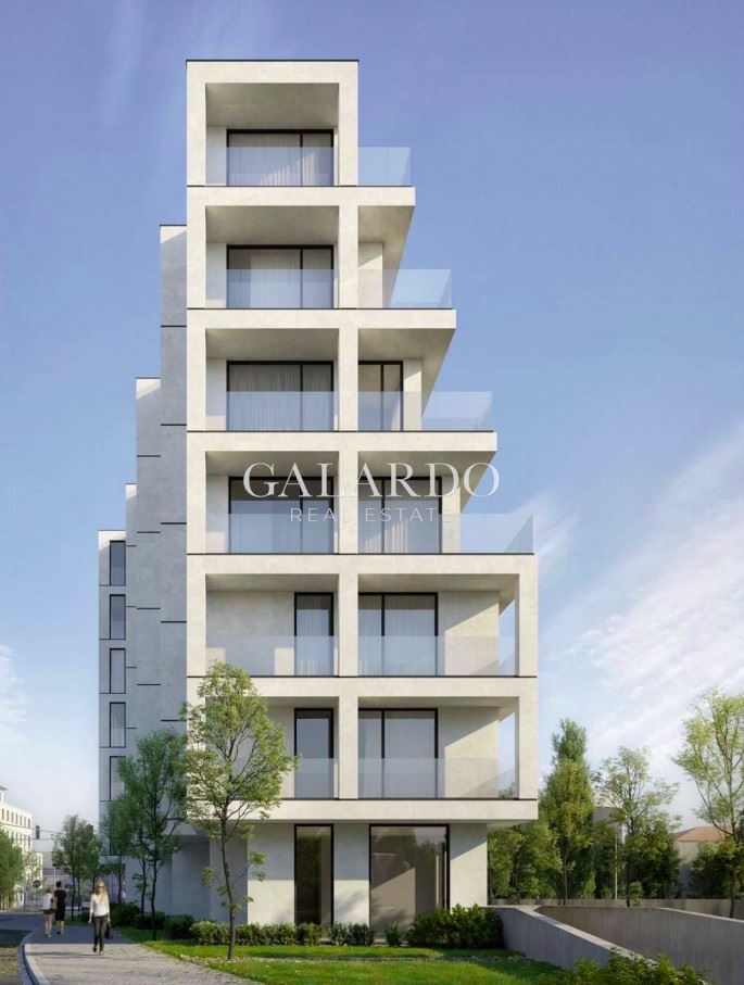 One-bedroom apartment next to Paradise Mall