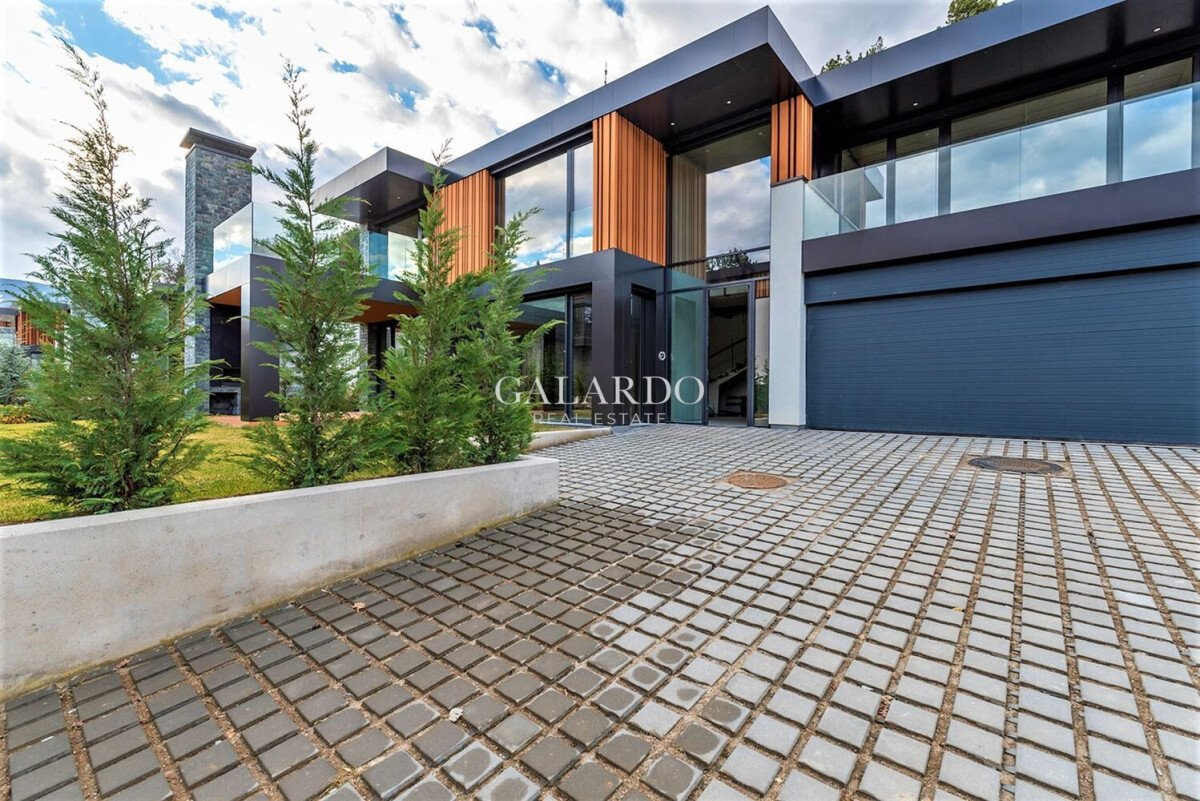 Ultra modern house for sale in a gated complex