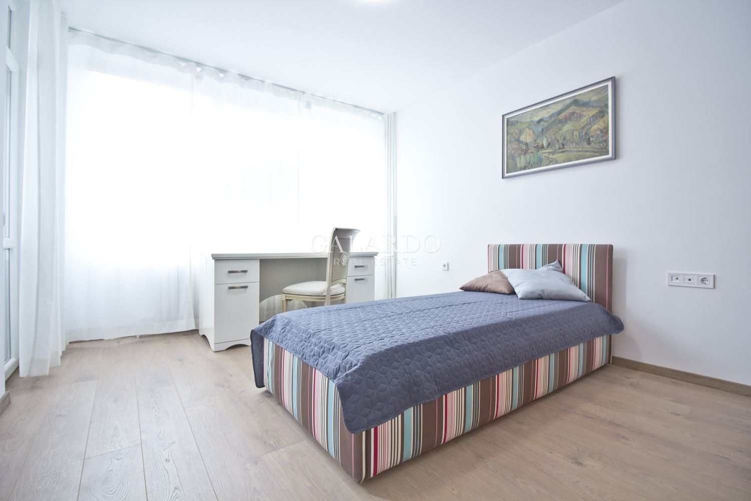 Bright four-bedroom apartment in Mladost 2