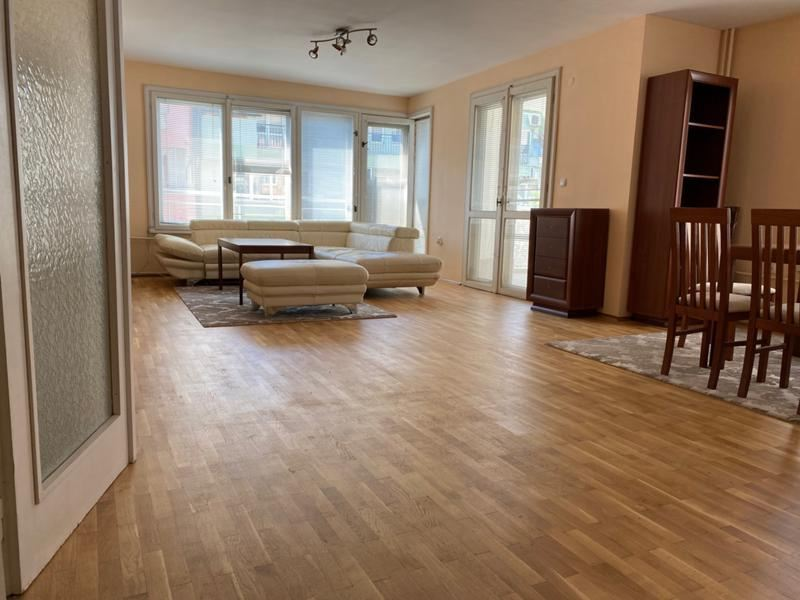 Spaciously furnished two-bedroom apartment near Helsinki Square, Lozenets