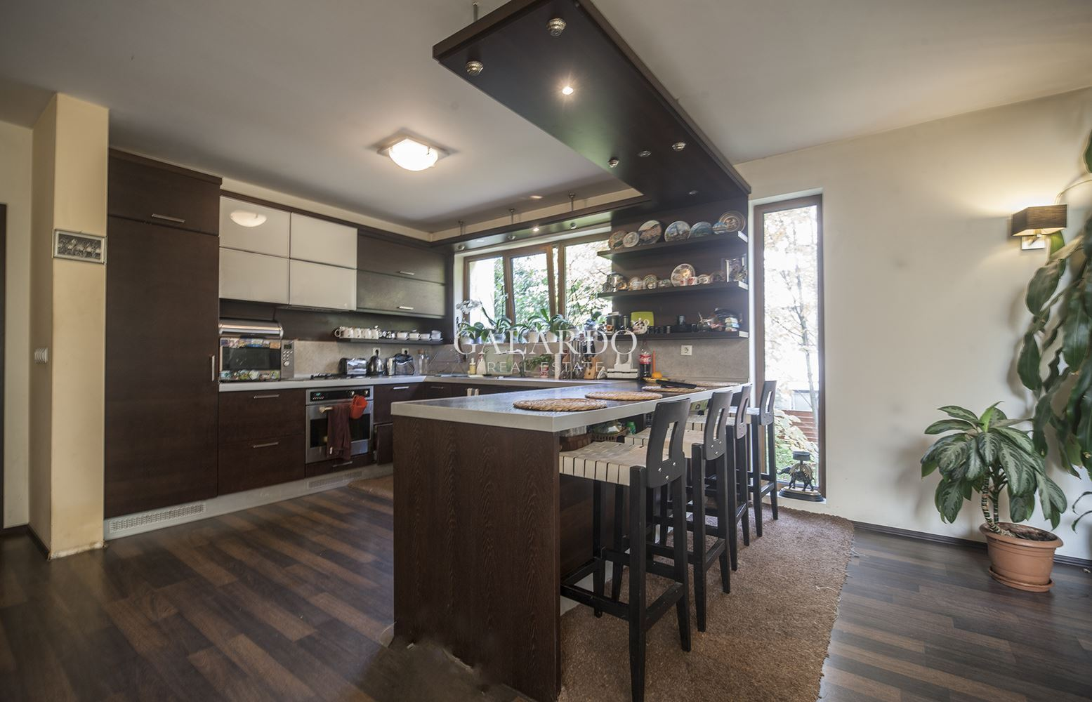 Sunny and spacious house in Boyana district