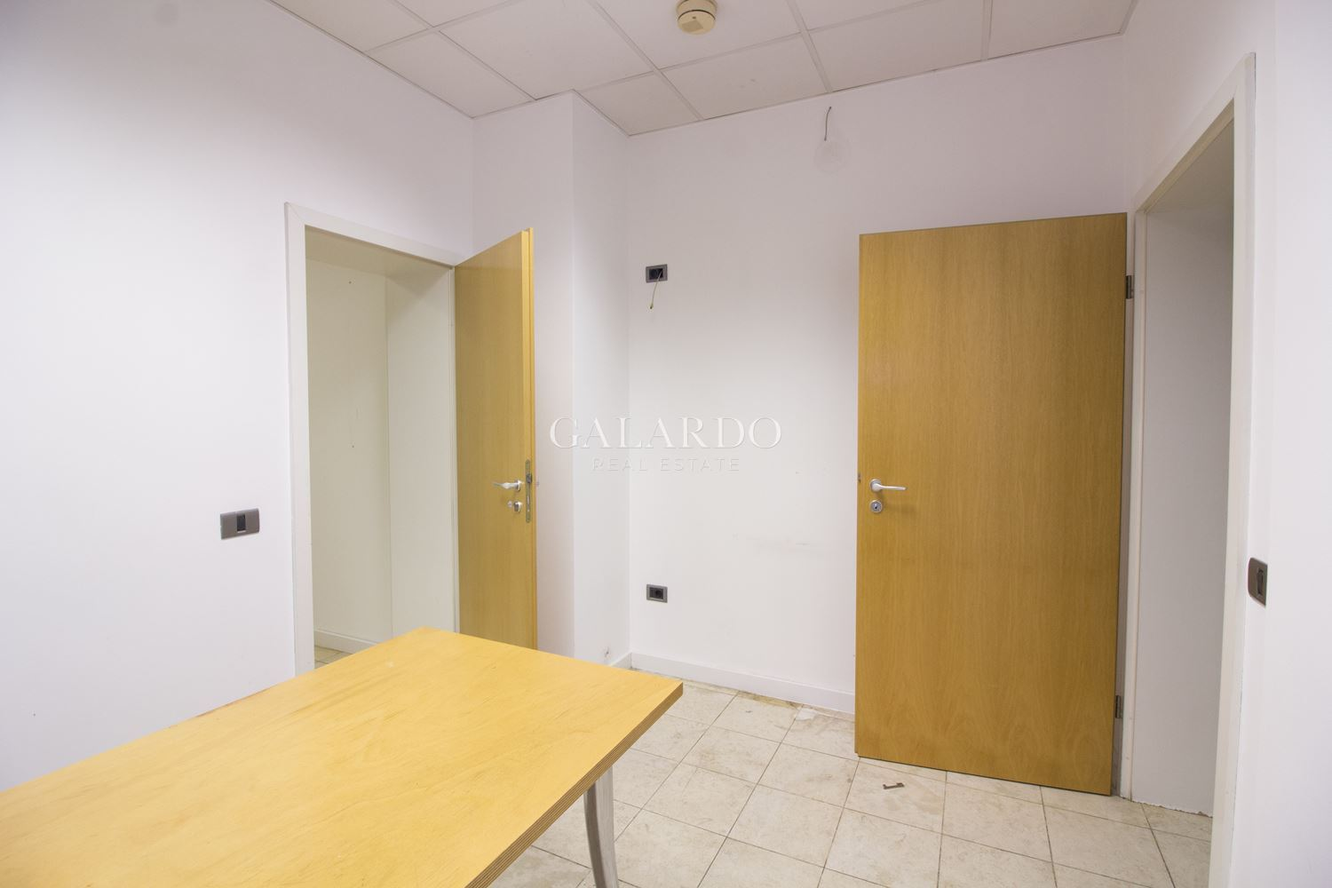 Stylish furnished office in Gotse Delchev district
