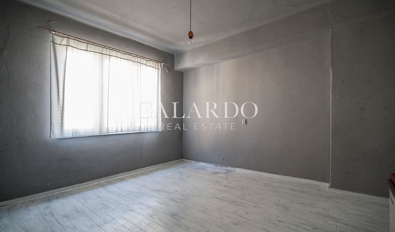 Three-bedrooms apartment close to the pedestrian part of